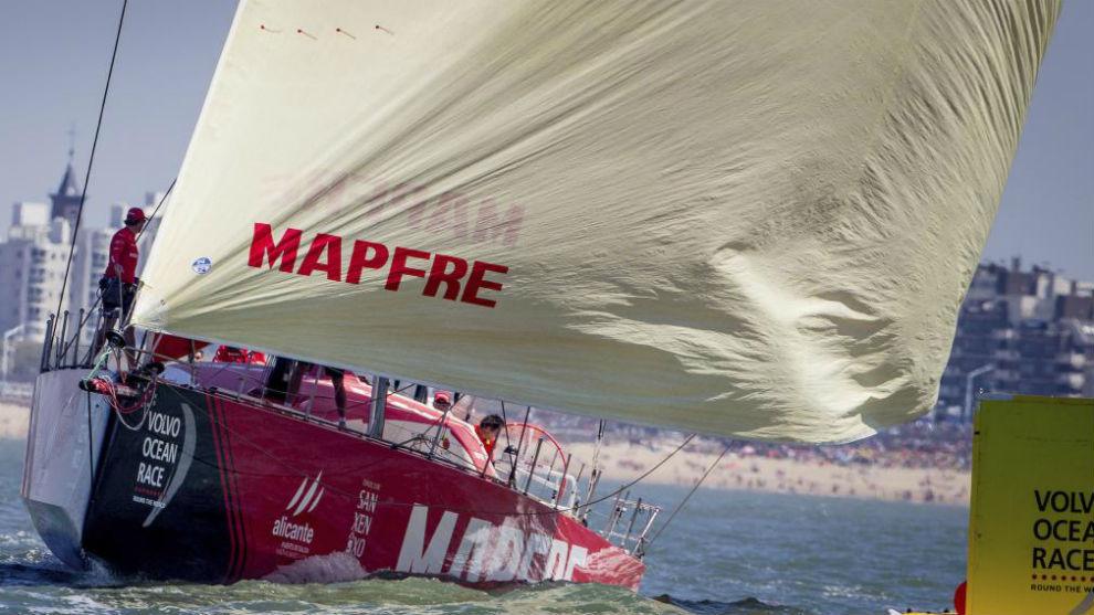 El 'Mapfre', a su llegada a La Haya.