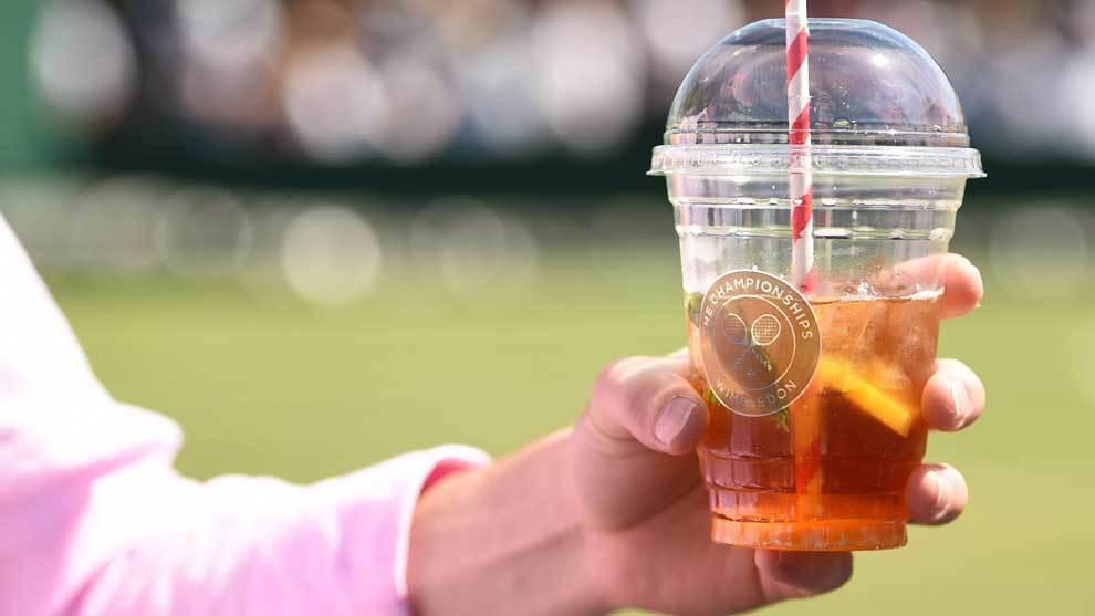 Los Pimms drinks y las fresas con nata son insustituibles en el All...