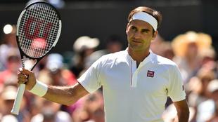 Roger Federer lució el logo de Uniqlo frente a Lajovic.
