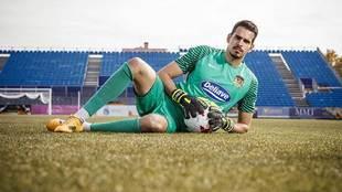 Pol Freixanet posa para Marca en el Fernando Torres de Fuenlabrada