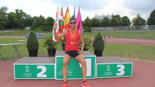 Octavio Pérez, con sus tres oro.