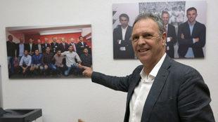Joaquín Caparrós, en su despacho del Sánchez-Pizjuán.