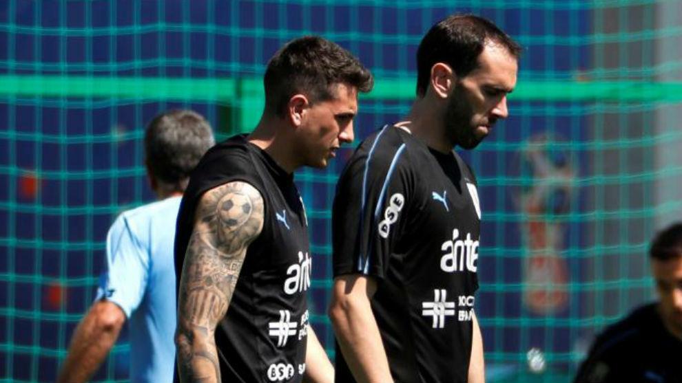 Giménez y Godín se entrenan con Uruguay en Rusia.