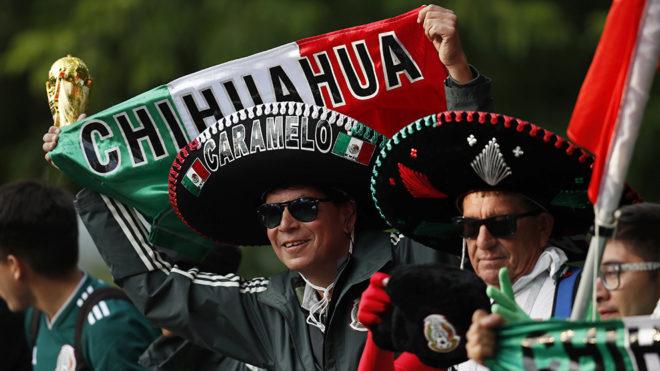 Mundial 2018 Rusia  Aficionados mexicanos dejan sombreros de ... 318a131213a