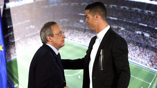 Florentino, junto a Cristiano en la última renovación del...