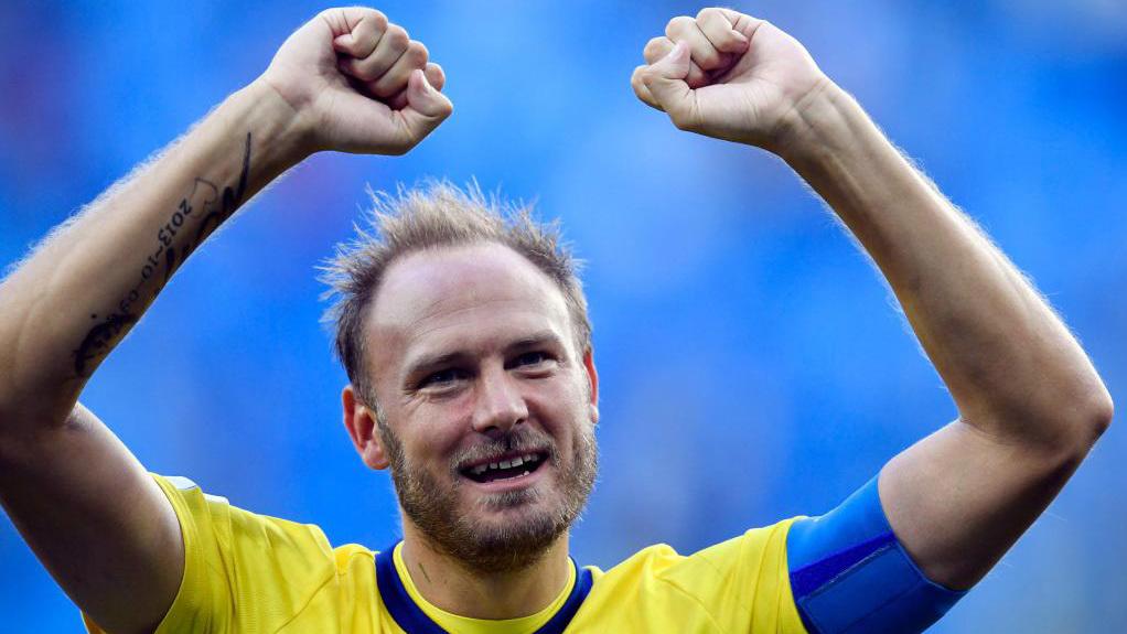 Granqvist, celebrando el pase a cuartos de final del Mundial