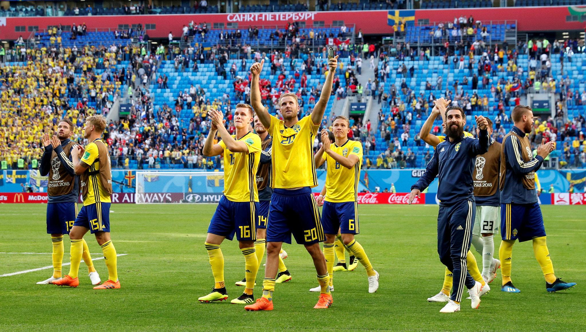 Con dos testarazos, Inglaterra vence a Suecia y va a Semifinal