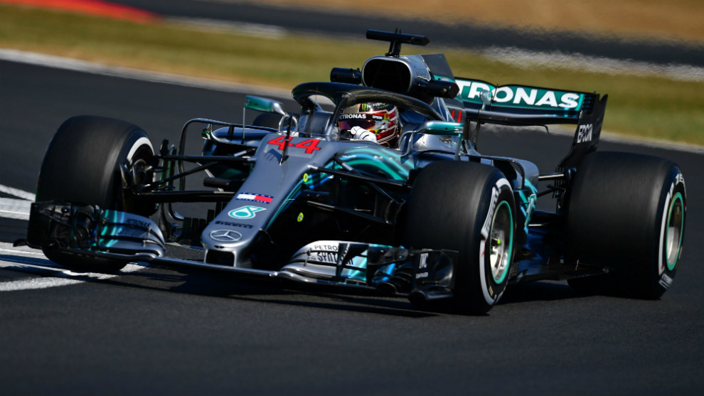 Lewis Hamilton tops final practice.