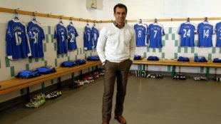 Roberto Martínez, en el vestuario del Wigan durante un reportaje con...