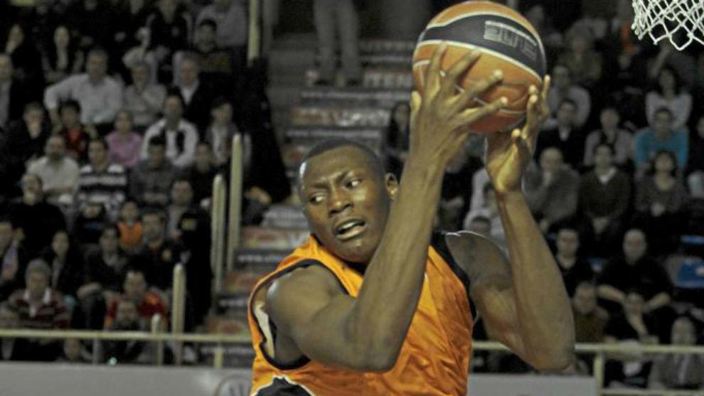 Bismack Biyombo jugando con el Fuenlabrada en 2011
