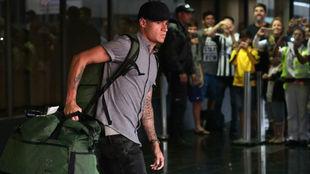 Coutinho desembarca en el aeropuerto internacional Tom Jobim de Rio de...