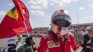Sebastian Vettel gana en Silverstone