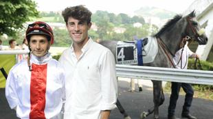 Álvaro Odriozola, junto a su jockey Roberto Montenegro.