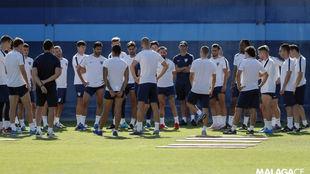 Los jugadores del Málaga, esta mañana.