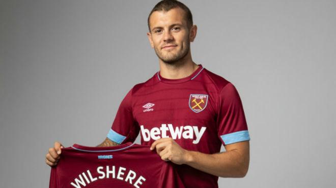 West Ham anunció la contratación del medio ofensivo Jack Wilshere
