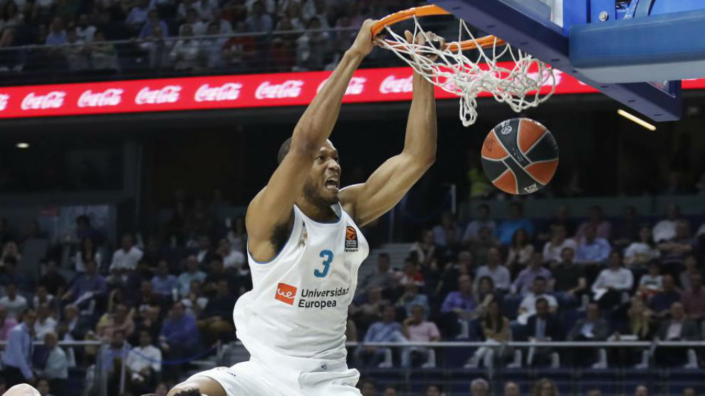 Anthony Randolph machaca el aro con el Real Madrid
