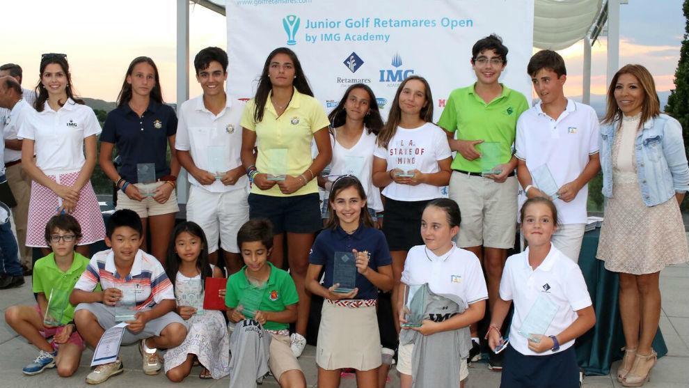 Foto de los niños y niñas ganadores del torneo.
