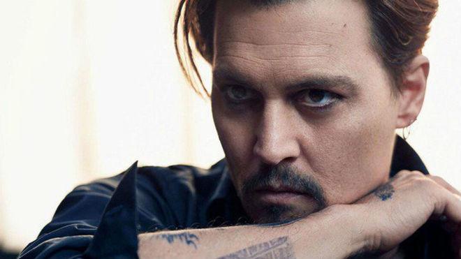 Johnny Depp, demandado por golpearle a trabajador en set