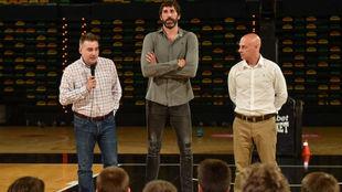 Álex Mumbrú durante su presentación como nuevo entrenador del...