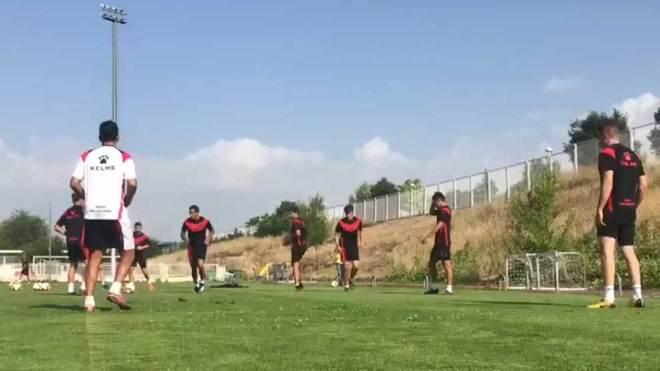 Los jugadores del Rayo Vallecano, en el entrenamiento.