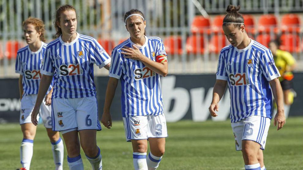 Jugadoras de la Real Sociedad durante un pasado la temporada pasada.