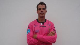 Pablo Salvarrey, con la camiseta del Torrelavega