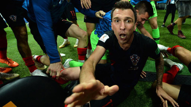 Mario Mandzukic celebrates scoring the 2-1 lead during the match...
