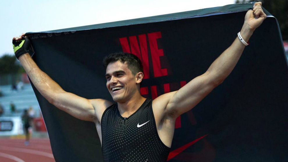 Bruno Hortelano celebra su triunfo en Barcelona.