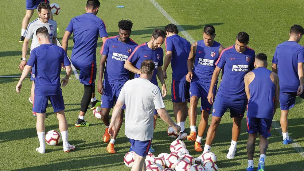 Los jugadores del Atlético, en un entrenamiento