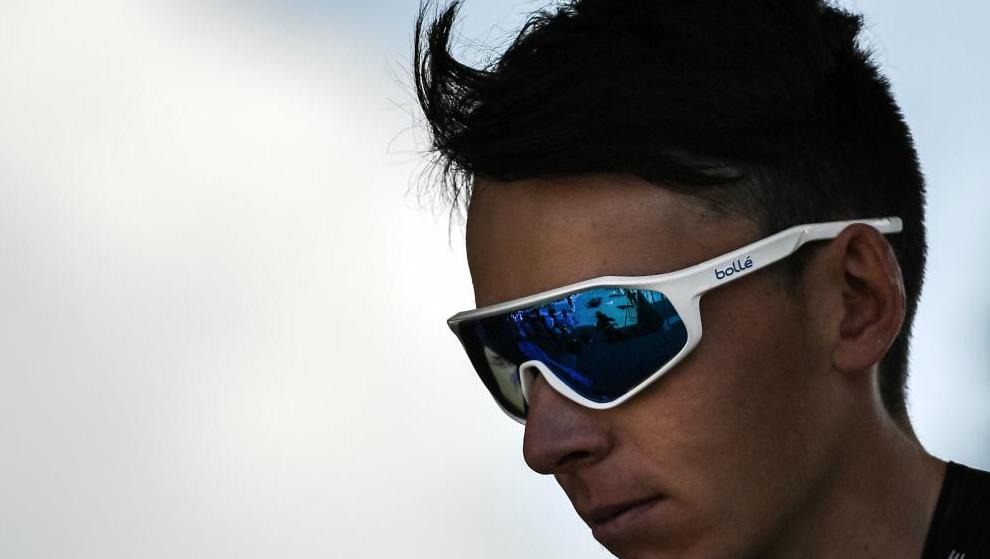 Romain Bardet, antes de comenzar la etapa.