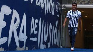 Jesús Gallardo portó la playera que defenderá en el Apertura 2018.