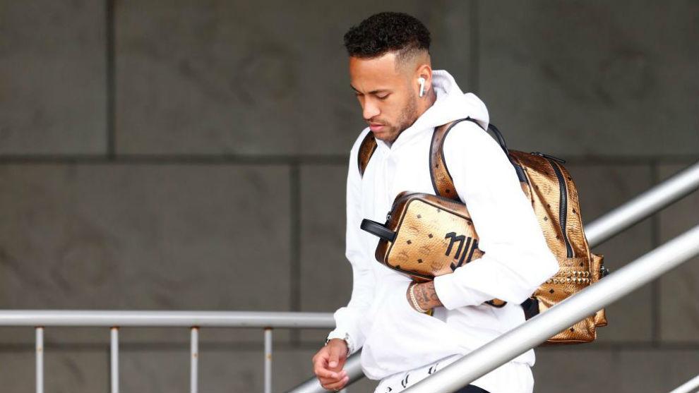 Real Madrid CHÍNH THỨC lên tiếng về vụ Neymar
