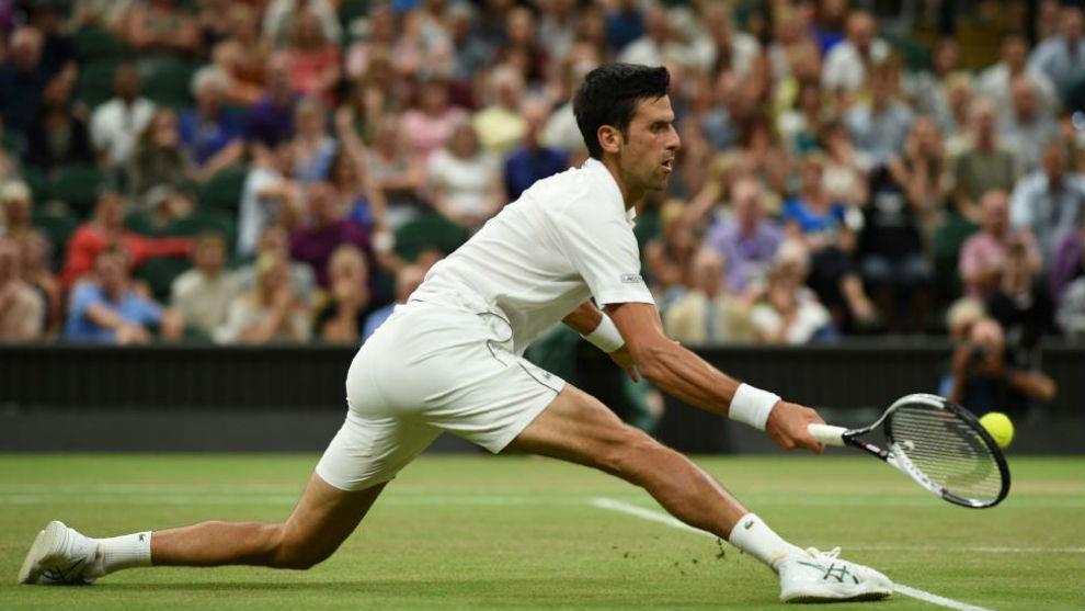 Djokovic llega a una pelota