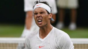 Nadal lamenta un punto perdido durante la semifinal ante Djokovic