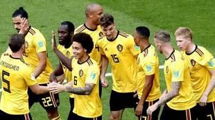 Los jugadores de Bélgica celebran un gol.