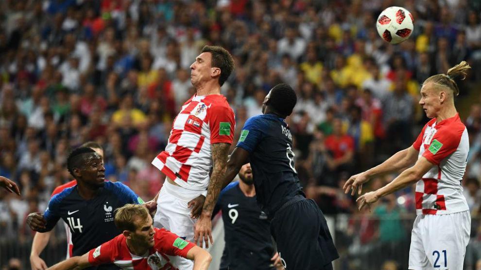 Mandzukic scores own goal.