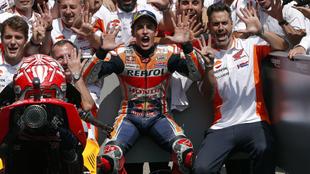 Márquez celebra sus 9 triunfos en Sachsenring.