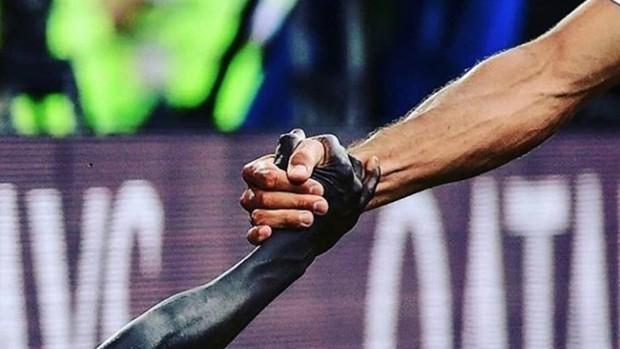 La selección senegalesa publicó la imagen tras el partido ante...