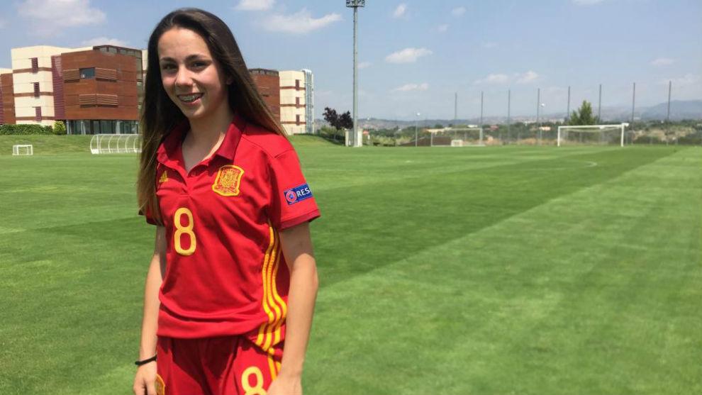 Athenea del Castillo posa para MARCA en la Ciudad del Fútbol de Las...