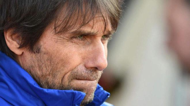 Jorginho follows Sarri to Chelsea on five-year deal