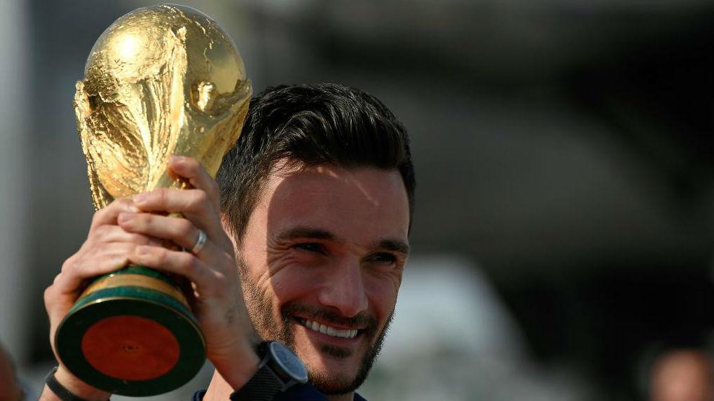 El capitán de la selección francesa, Hugo Lloris, sonriente.