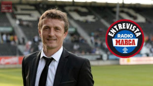 Laurent Viaud como entrenador del Angers.