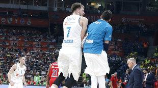 Doncic y Rudy celebran una victoria