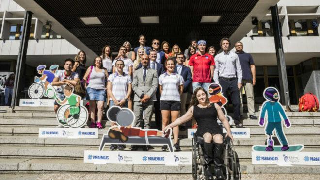 Foto de familia de los asistentes a las jornadas '#Paraemojis: por un...