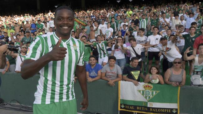 William Carvalho, durante su presentación con el Betis