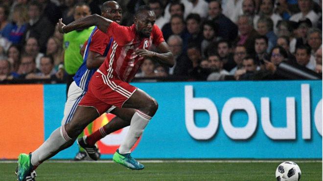 Usain Bolt, durante un amistoso en el U Arena de París