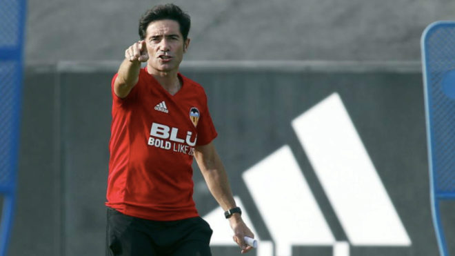 Marcelino extends his Valencia contract by one year.