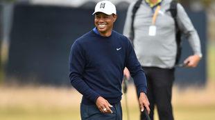Tiger Woods, durante una vuelta de prácticas en Carnoustie.