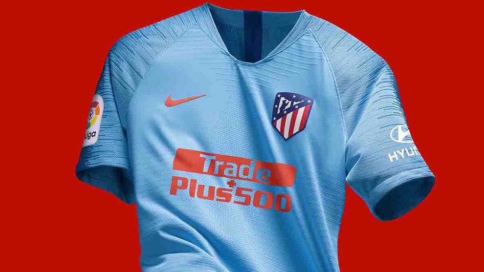 Atlético de Madrid  El Atlético presenta su segunda camiseta e44d0a1a68782