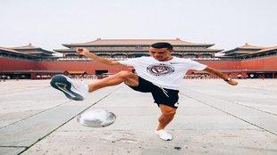 Cristiano Ronaldo ya demuestra sus habilidades en China.